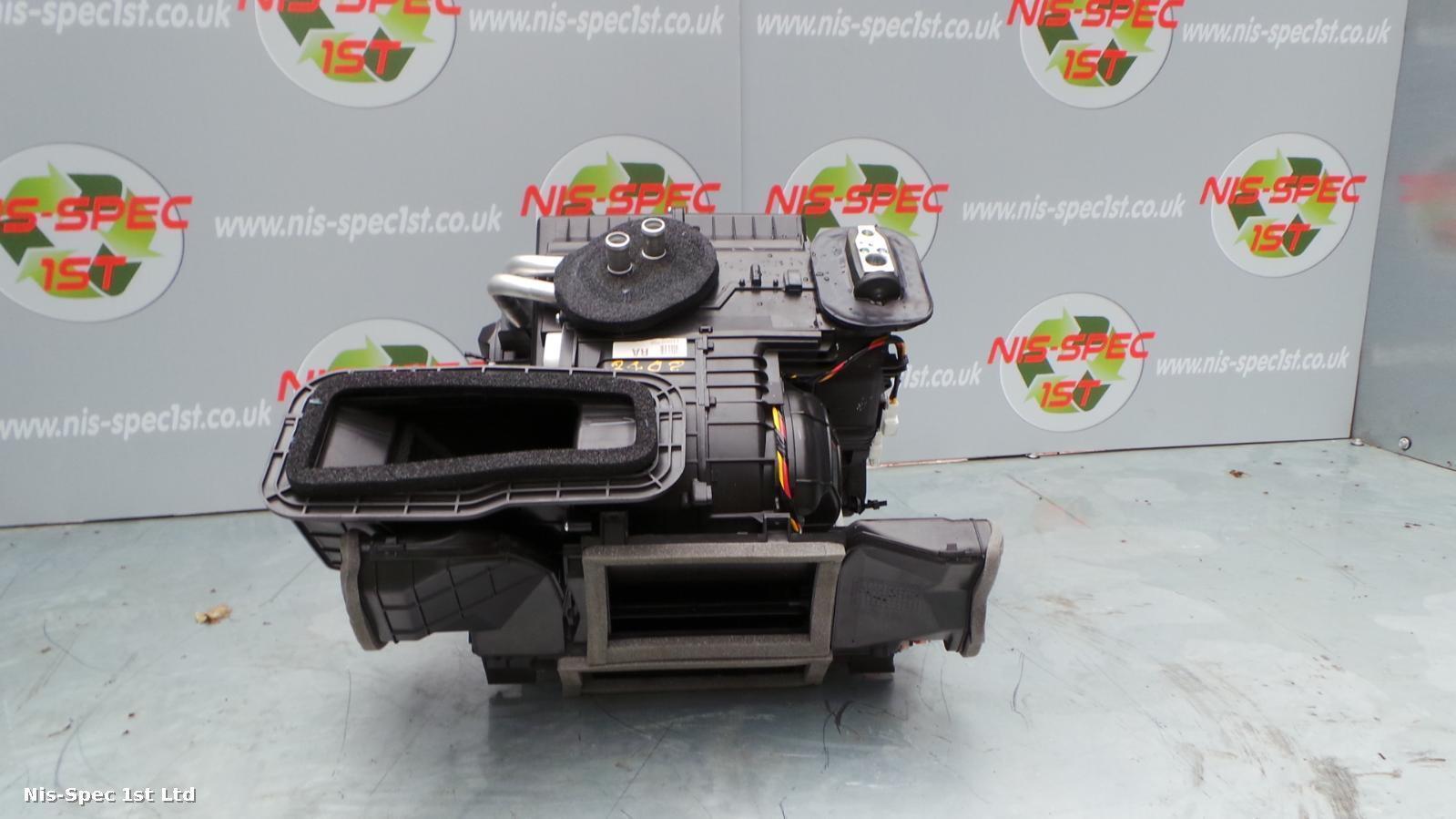 Nissan Juke F15 10 - 15 Heater Motor