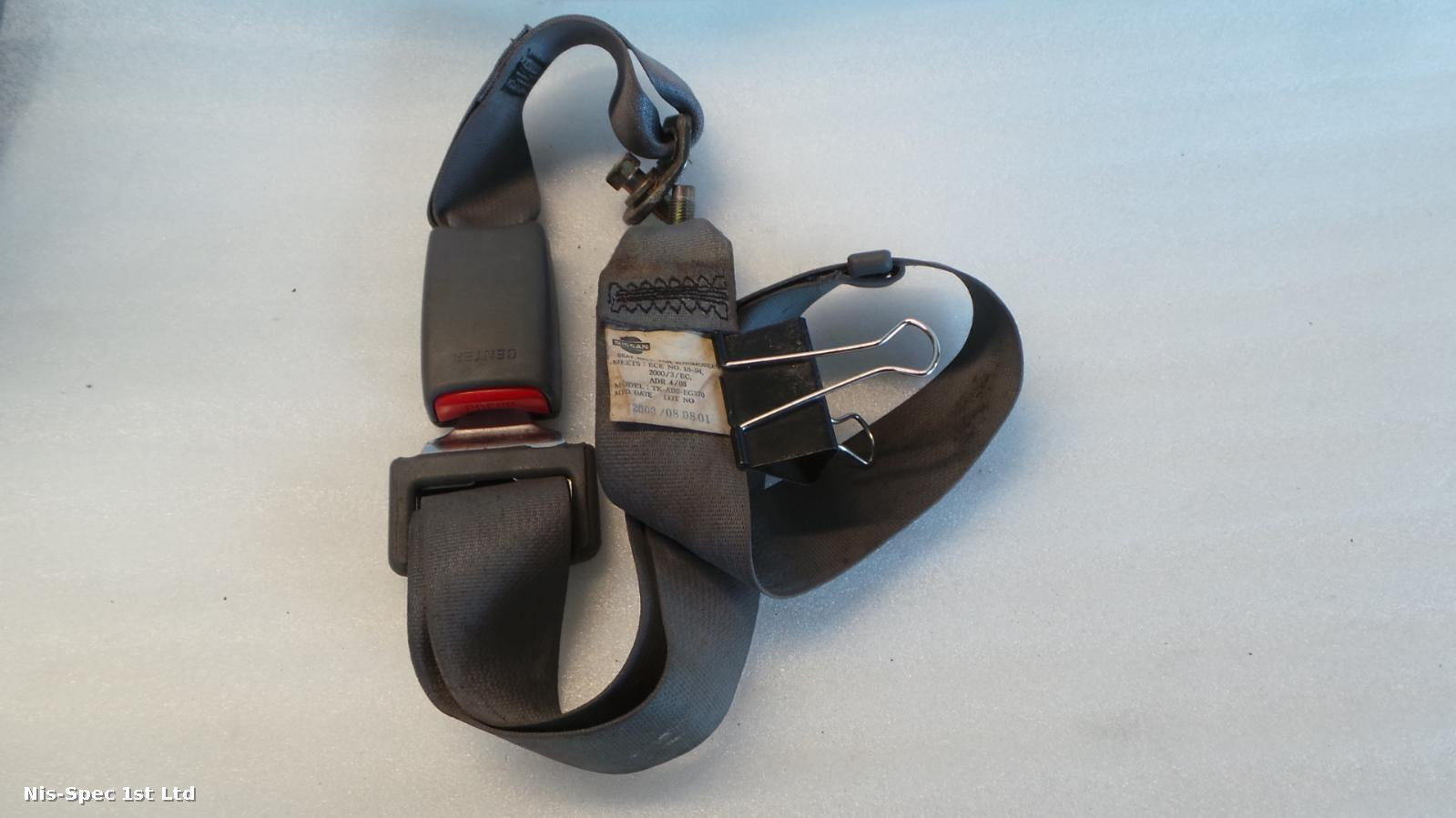 NAVARA MIDDLE SEAT BELT AND BUCKLE D22 97-05