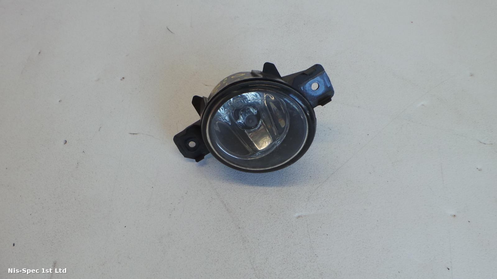 NISSAN X TRAIL T30 04-06 DRIVERS FRONT FOG LIGHT