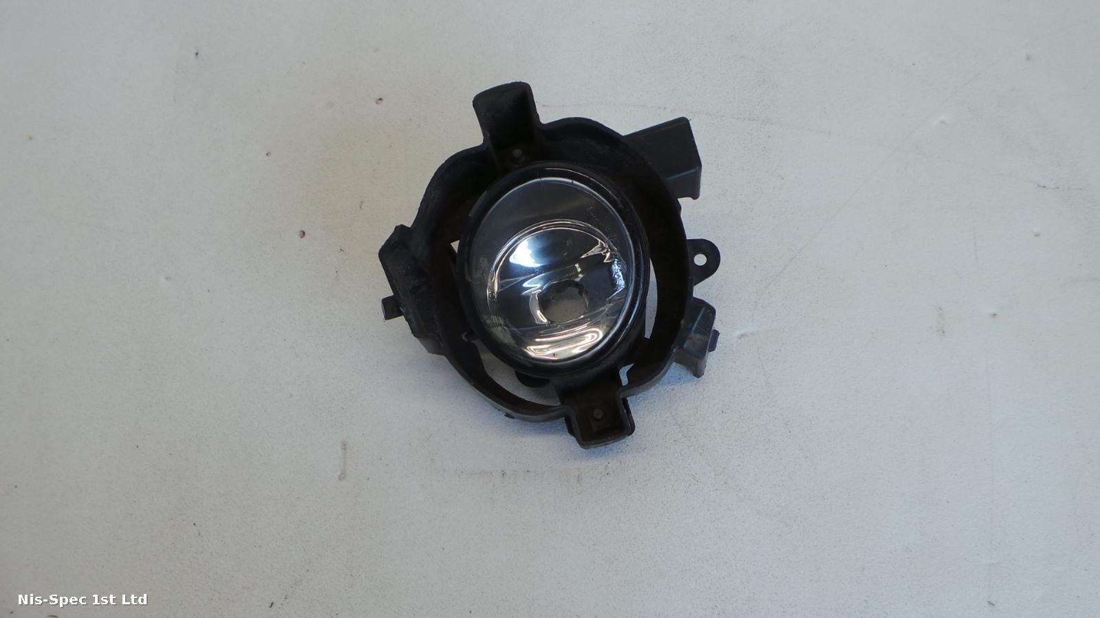 Nissan QASHQAI J10 06-10 PASSENGER LEFT FRONT FOG LIGHT
