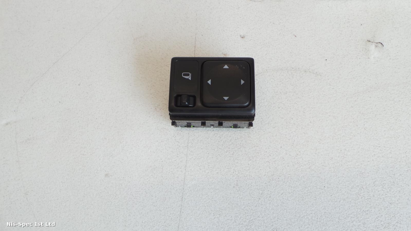 NISSAN JUKE F15 MIRROR ADJUSTMENT SWITCH