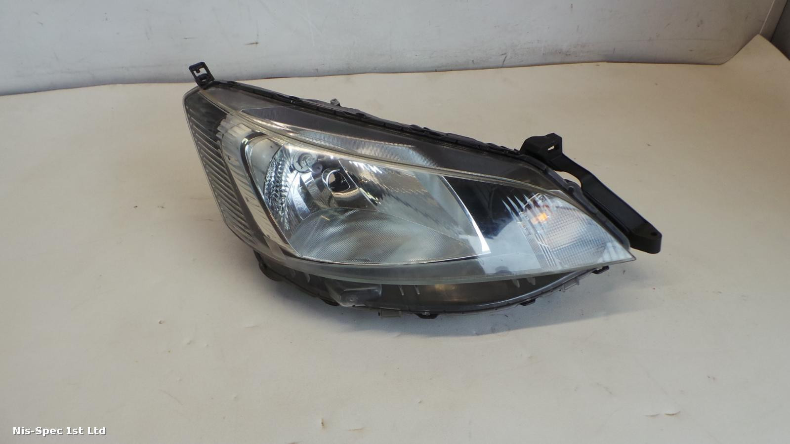 NV200 DRIVERS RIGHT OFFSIDE FRONT HEADLIGHT HALOGEN