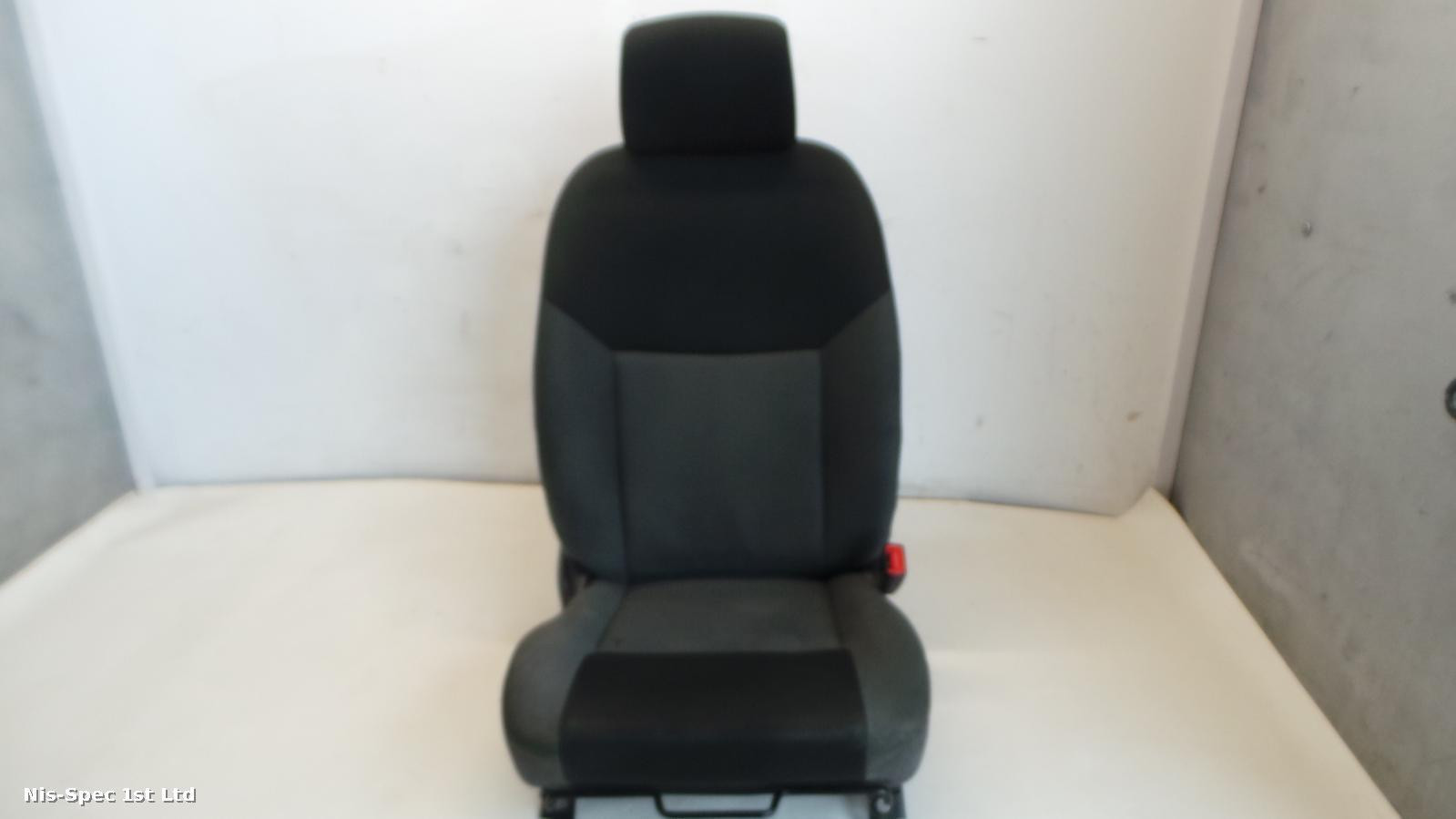 NISSAN  NV200 DRIVERS FRONT SEAT CLOTH SOME MARKS