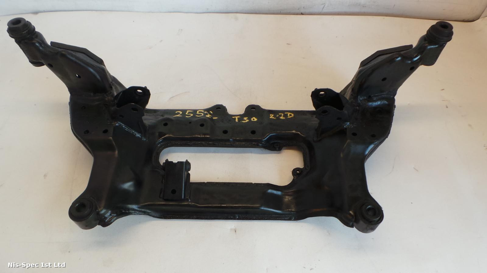 X TRAIL FRONT SUBFRAME 2.2 DIESEL T30 01-06