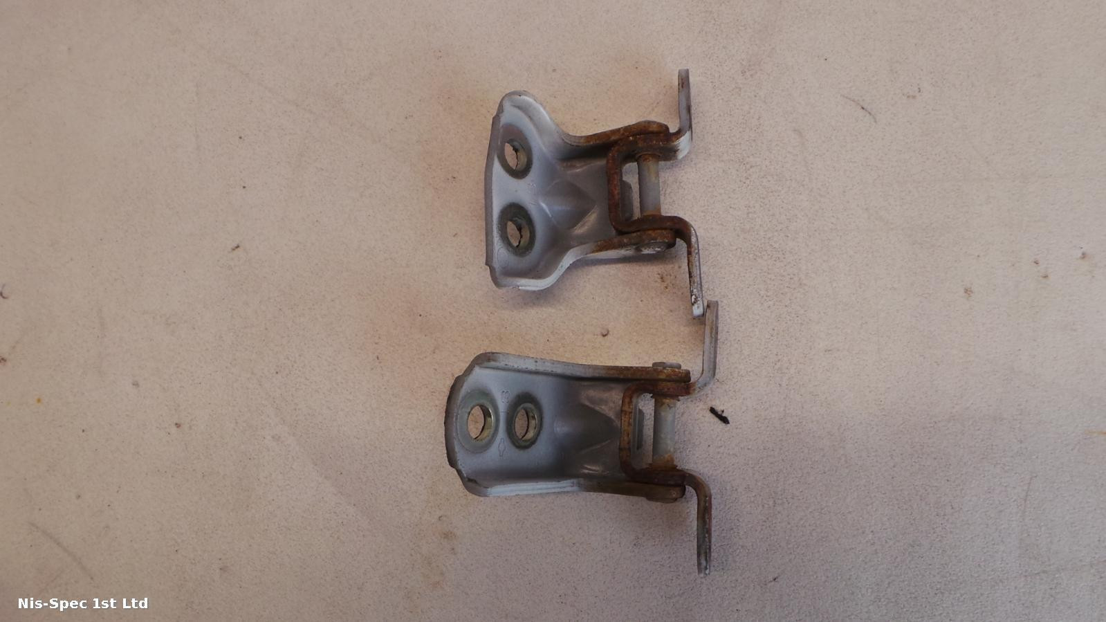 NV200 DRIVERS DOOR HINGES 14-18 OFFSIDE RIGHT FRONT