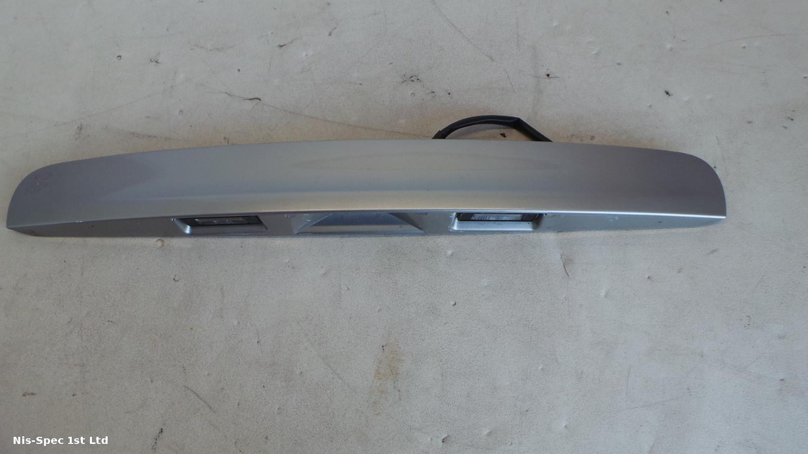 QASHQAI TAILGATE HANDLE J10 06-13 WITH MICRO SWITCH AND NUMBER PLATE LIGHTS