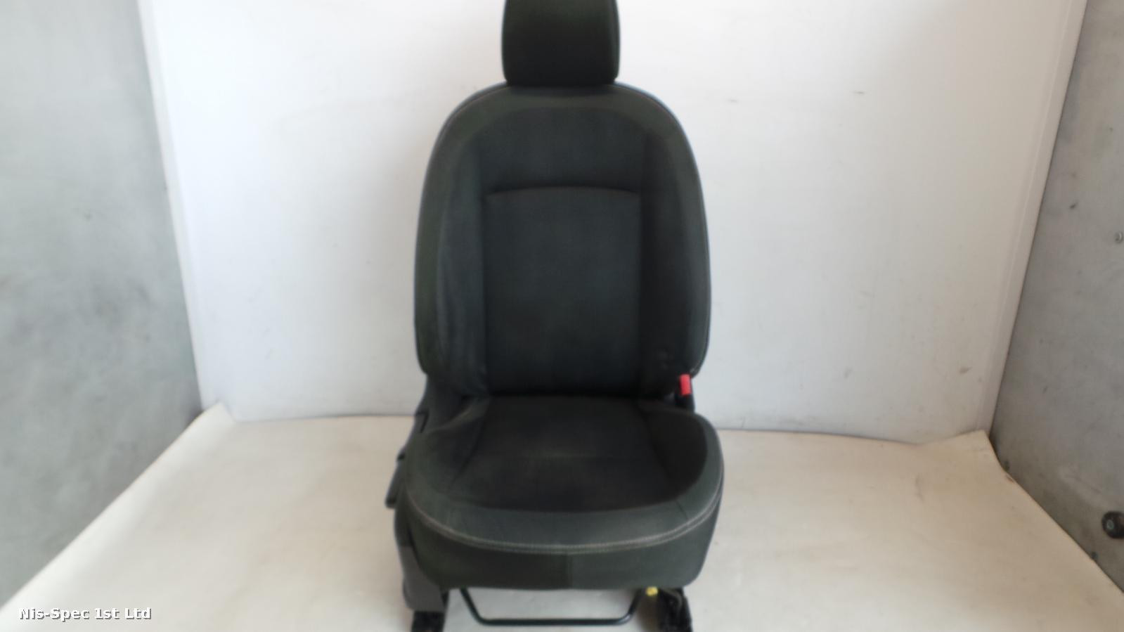 QASHQAI J10 06 - 13 DRIVER OFFSIDE FRONT SEAT CLOTH
