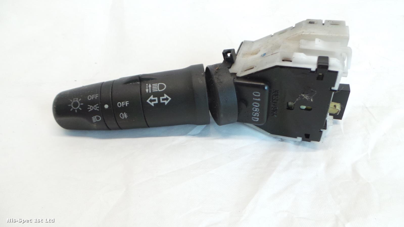 NISSAN NV200 HEADLIGHT AND INDICATOR STALK