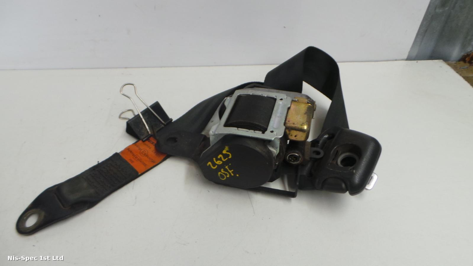 Nissan Terrano drivers front right seat belt 868842x281