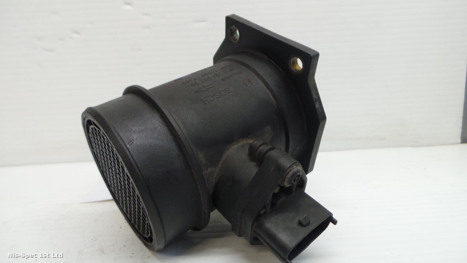 Nissan Terrano II R20 Air Flow Meter 22680 7F405 3.0 Diesel